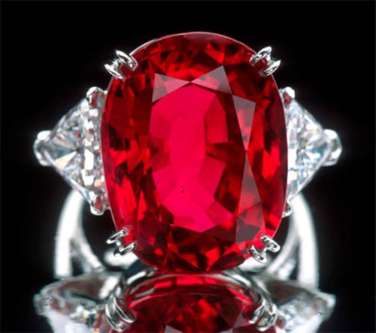 23-Carat Carmen Lúcia Ruby Is One of the World's Most Extraordinary Examples of July's Birthstone
