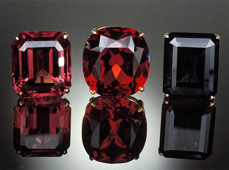 Spinel — the New August Birthstone — Has Been Fooling Royalty for Centuries
